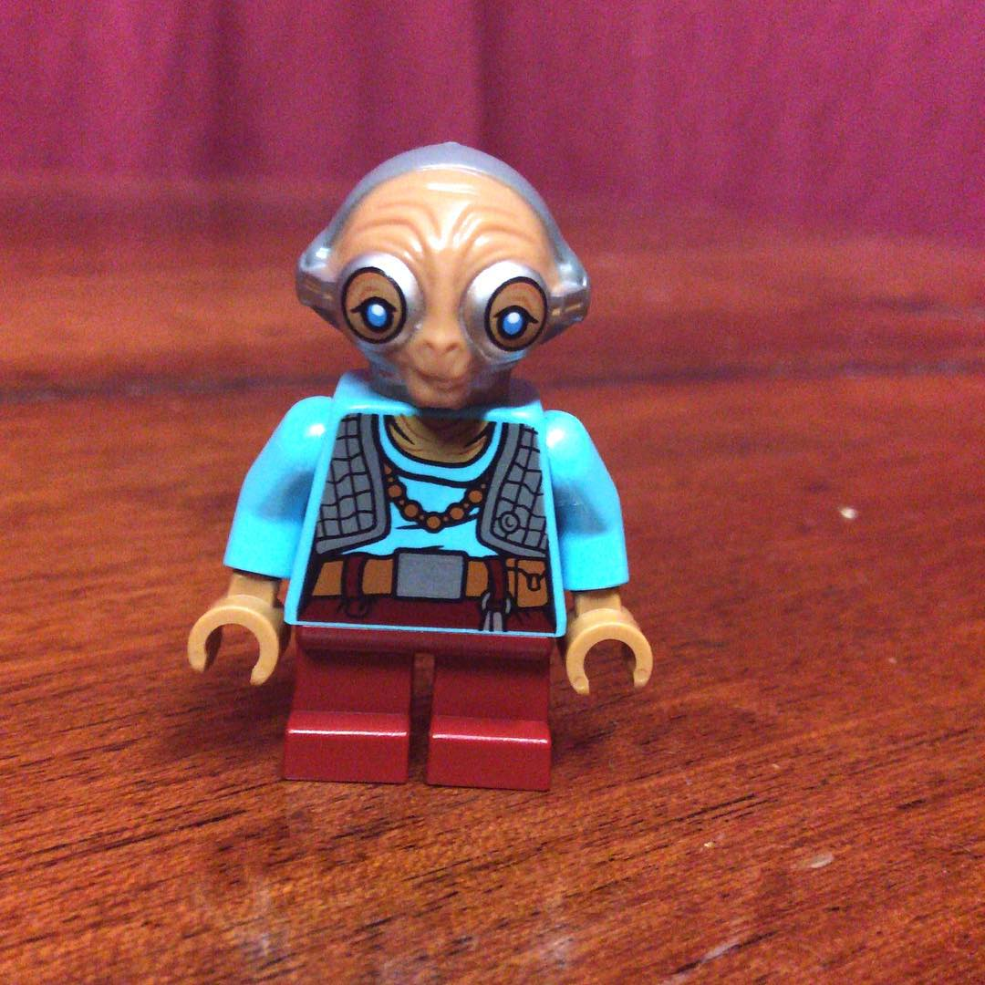 LEGO Star Wars Maz Kanata Minifigure Image Surfaces! | LEGO News ... Lego Star Wars R2d2 Coloring Pages